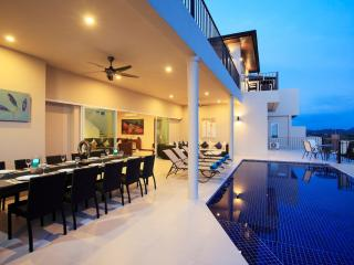 Imposing villa on three floor with upper and lower sun terrace and infinity edge swimming pool
