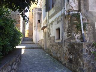 Trilocale nel centro storico, Scalea