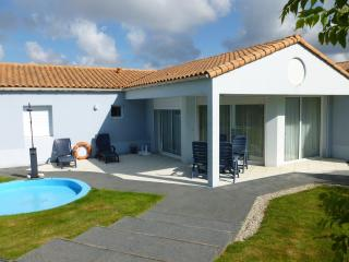 Villa Acacia 4P shared pool, Les Sables d'Olonne