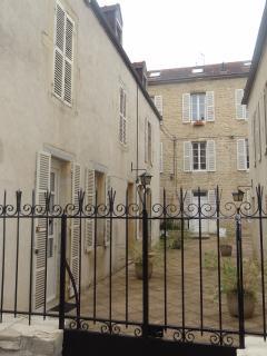 Bâtiment en pierre de Bourgogne