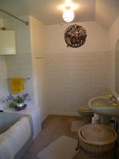Bathroom 2 showing suite.