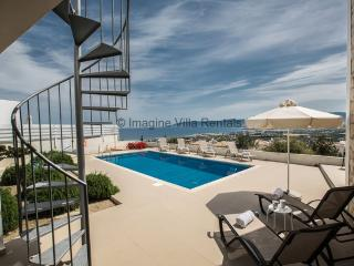 Esprit 20|3 Bed with pool and panoramic sea views