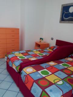 3 camera da letto.   Letti singoli ed a cassetto