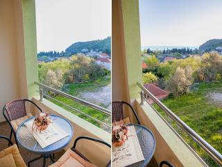 Pansion Nobel - Triple Studio with Balcony and partial Sea View 13, Buljarica