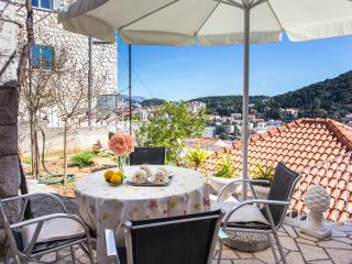 Villa Pusic - Studio Apartment with Balcony and Sea View (4 Adults)