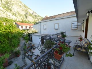 Apartments Deni - Deluxe Apartment, Kotor