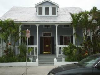 HISTORIC RESTORED 'EYEBROW' HOME., Key West