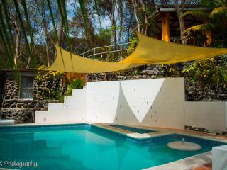Noomi's Beach House (Private beach and Complex!!), La Libertad