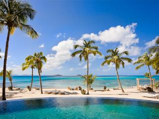 Intimate, sequestered beachfront villa. AQU V1, Virgin Gorda