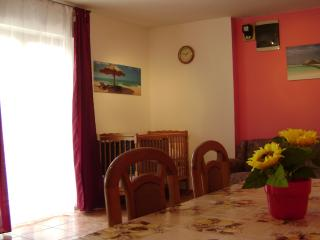 Apartment Lovro*** 20 met from beach