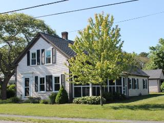 Spacious corner lot with screened porch - 38 Pleasant Street Harwich Port Cape Cod New England Vacation Rentals