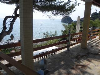 Beachfront Villa for 2 to 4, quiet, secluded, Agios Gordios