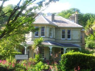 Luxurious Park Side Apartment - The Carisbrooke, Ventnor