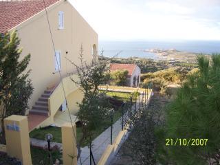 APPARTAMENTO IN VILLETTA VERANDA GIARDINO MARE, Isola Rossa