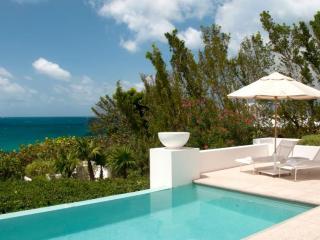 Luxury 4 bedroom Anguilla villa. Luxury Beachfront!
