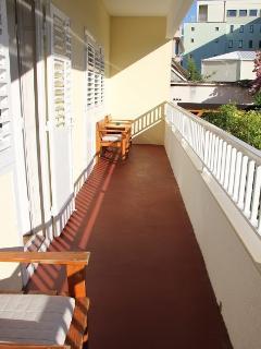 A5(6): balcony