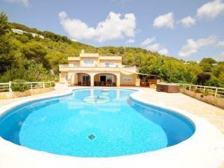 Villa con piscina para 16 personas, Ibiza Ciudad