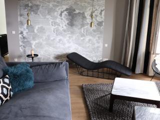 Le Valmer Elegant penthouse design pleine vue mer