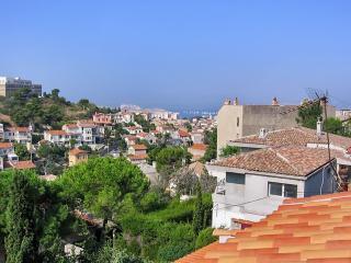 Central flat with terrace near beach, Marseille