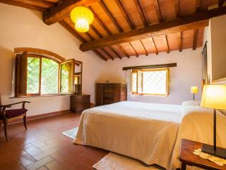 the stone cottage - the sleeping area on the first floor -. the double bed
