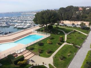 Exceptionnel appartement 100m², pieds dans l'eau, Saint-Raphael
