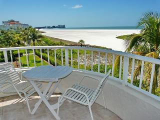 Front unit facing beach, w/ wraparound balcony for spellbinding views, Marco Island