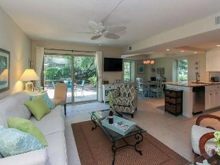 1752 Bluff Villa-Fully Renovated & Beach Chic. Book NOW for 2016, Hilton Head