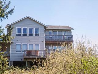 Spectacular Ocean Views and Sparkling Charm, Depoe Bay