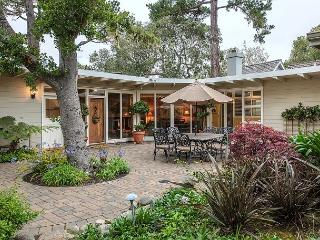 3693 Lilli's House - Historic Carmel Home with a Great History of Celebrity!