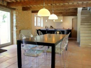 Delightful  Historic Stone Mas in Provence, Near Uzes, Sleeps 8