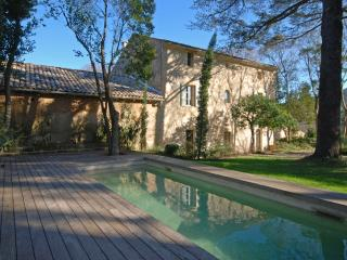 Classic Provencal Stone Mas with Pool, near Uzès and River Gardon, Sleeps 14