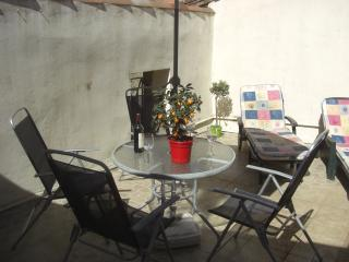 3 Bed Village House + Roof Terrace/ Pouzolles