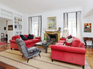 In a Rome Historic Palazzo, an Elegant and  Extravagant 3 Bedroom Apartment