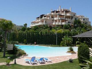 Luxury Apartment near Golf, Beaches & Puerto Banus, Benahavis