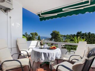Sea View Spaciuos Split Apartment Etien