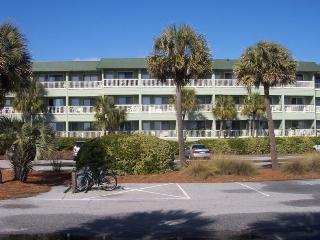 Renovated Sea Cabin..Ocean Front Panoramic Views, Isle of Palms