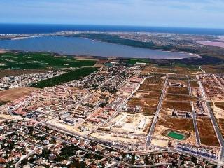 ADOSADO MONTEAZUL: 3 DORMITORIOS 10 km PLAYAS GUARDAMAR