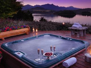 4 BDR/4.5BATH - INDOOR HEATED POOL & JACUZZI (H14), San Carlos de Bariloche