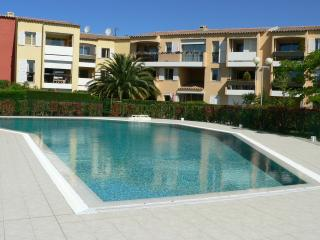 CASSIS Appart grand T2 4/6 pers piscine place parking belle vue