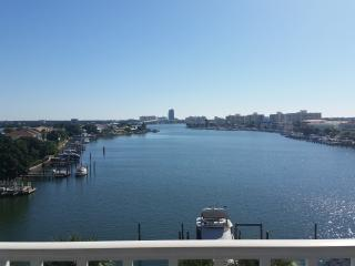 Dockside Condos 504 | Tempur-Pedic Bed, Clearwater