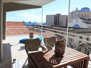 2b Retro Seaview - Old town, Limassol