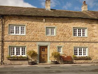 THE SQUARE, character holiday cottage in Masham, Ref 9858