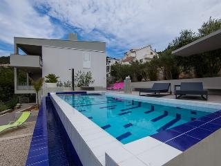 Villa Mara seaview and pool