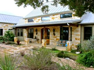 Luxury Estate on 33 Acres w/Pool & 40 Mile Views, Wimberley