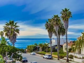 Tiki Townhouse, Ocean Views, Walk to Beach, La Jolla