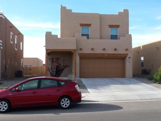 Large, Modern 4 Bedroom 1800sf - Sleeps 8-13!, Santa Fe