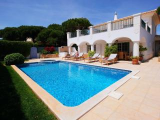 Charming Four Bedroom Villa near Quinta do Lago