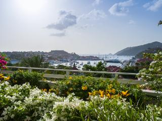 Perfect location with view over Gustavia & year-round sunsets WV SET