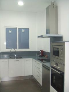 La cocina tiene máquina y cápsulas de nespresso