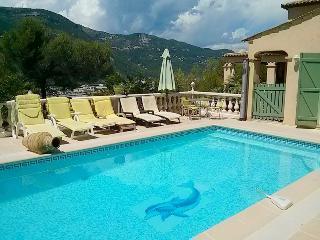 JdV Holidays Villa Violette, 5 bedrooms  in tranquil location, great price!